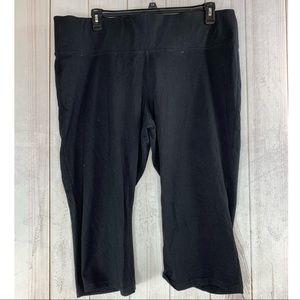 LANE BRYANT Black Capri size 22/24